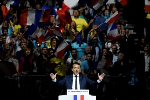 Emmanuel Macron lors d'un meeting de campagne au Palais des Sports de Lyon, le 4 février 2017 © JEAN-PHILIPPE KSIAZEK AFP/Archives
