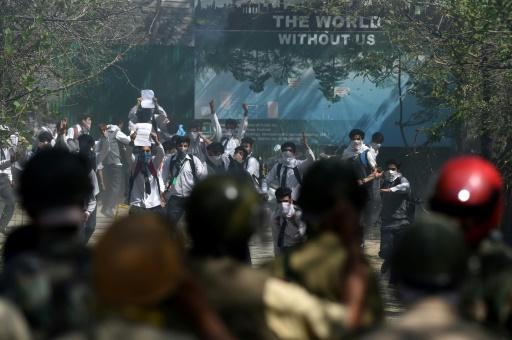Heurts entre étudiants et forces de l'ordre, le 17 avril 2017 à Srinagar, au Cachemire indien © Tauseef MUSTAFA AFP