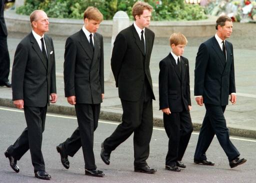 La famille royale britannique à l'extérieur de l'abbaye de Westminster, à Londres lors de l'enterrement de la princesse Diana, le 6 septembre 1997  © JEFF J MITCHELL POOL/AFP/Archives