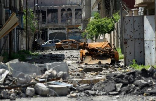 Une rue en ruines dans la vieille ville de Mossoul le 17 avril 2017 © AHMAD AL-RUBAYE AFP