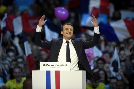 Le candidat du mouvement En Marche! à la présidentielle, lors d'un meeting de campagne le 17 avril 2017 à Paris  © Eric FEFERBERG AFP