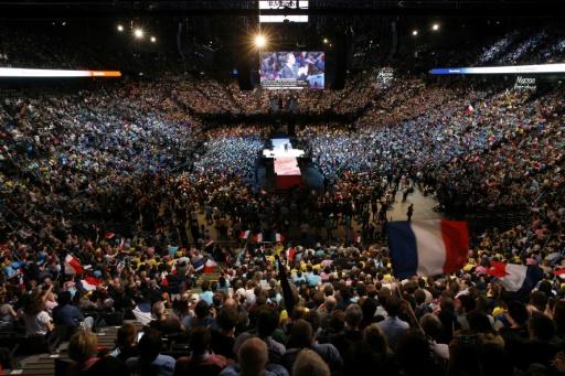 Emmanuel Macron lors d'un meeting à Paris, le 17 avril 2017 © GEOFFROY VAN DER HASSELT AFP