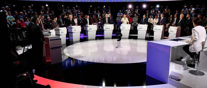 Certains candidats avaient fait part de leur réserve concernant leur participation à L'Émission politique de jeudi soir. Le CSA n'accordera pas de temps supplémentaire en cas d'absence.