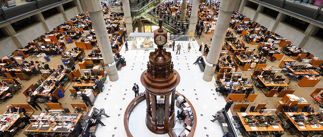 (FILES) This file photo taken on April 27, 2016 shows the interior of Lloyd's of London, the centuries-old insurance market, in central London.Lloyd's of London will open a new Brussels subsidiary in early 2019, the historic insurance market said on March 30, 2017, in the first fallout from Britain's decision to trigger Brexit. / AFP PHOTO / LEON NEAL