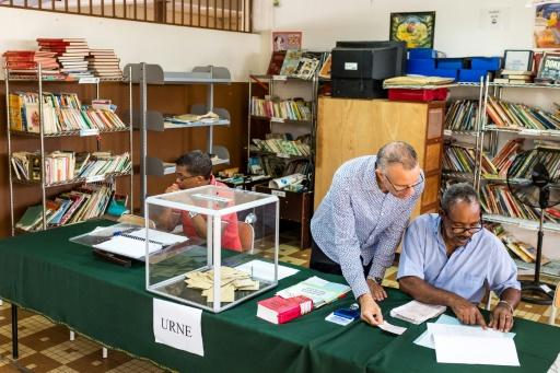 Un bureau de vote pour le premier tour de l'élection présidentielle de Remire-Montjoly en Guyane, le 22 avril 2017 © jody amiet AFP