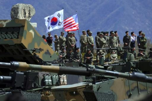 Des soldats américains et sud-coréens participentà des manoeuvres conjointes à Pocheon, en Corée du Sud, le 26 avril 2017  © JUNG Yeon-Je AFP