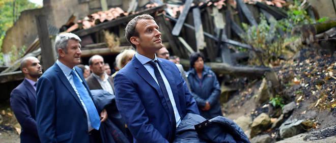 Emmanuel Macron au Puy du Fou le 19 août 2016. La visite avait fait polémique. Elle semble avoir porté ses fruits. Sur ces terres très conservatrices, il devance Marine Le Pen, et même François Fillon.