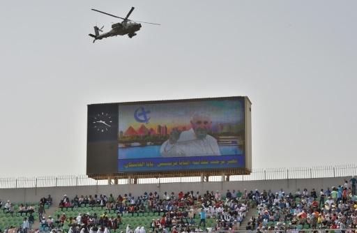 Des fidèles égyptiens venus voir le pape le 29 avril 2017 dans un stade au Caire © Andreas SOLARO AFP