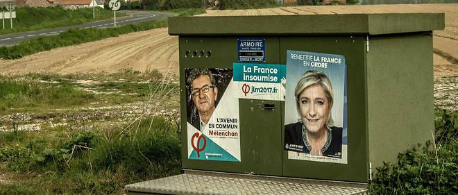 """Jean-Luc Mélenchon a déclaré : """"Je ne voterai pas Front national, je combats le Front national. Et je dis à tous ceux qui m'écoutent: ne faites pas la terrible erreur de mettre un bulletin de vote pour le Front national"""", mais il n'a pas déclaré s'il s'abstiendrait, voterait blanc ou Macron."""
