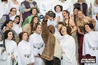 L'attaque des clones ! Des fans de la princesse Leia à la Star Wars Celebration d'Orlando ©Mark Edwards Photographer