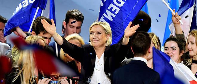 En meeting à Perpignan, juste après les attentats qui ont endeuillé la communauté copte d'Égypte, Marine Le Pen s'est souvenue de son arrière-grand-mère, copte selon elle. Un détail religieux qu'elle n'avait pas évoqué en rencontrant le pape des Coptes lors d'un déplacement au Caire en 2015.