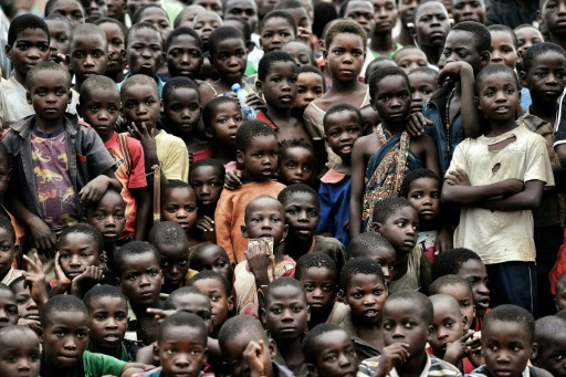 Des enfants assistent à un événement à Lilongwe au Malawi le 11 mars 2016 © ARIS MESSINIS AFP/Archives