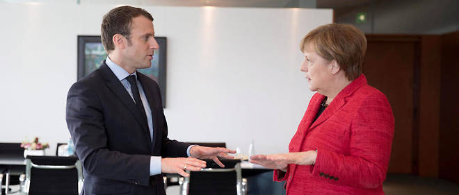 Emmanuel Macron sera reçu par Angela Merkel lundi à Berlin.