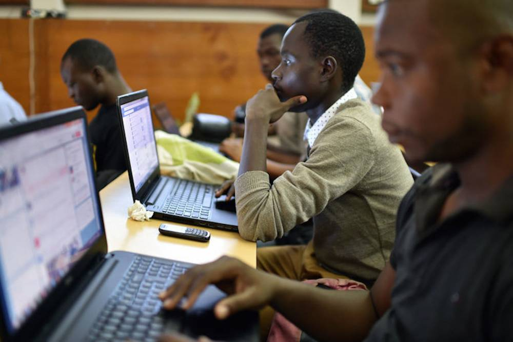 Des participants à un hackathon à Abibjan, en avril 2015. ©  AFP/Issouf Sanogo
