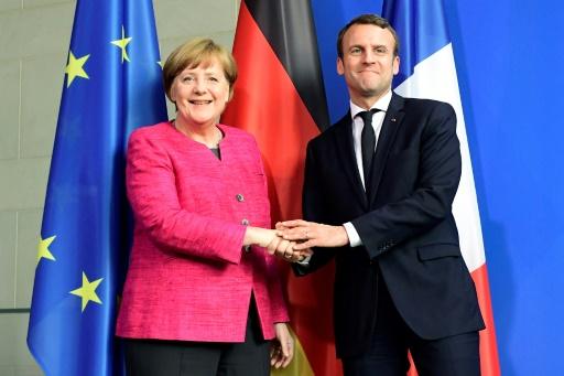 La chancelière allemande Angela Merkel et le président français Emmanuel Macron à Berlin, le 15 mai 2017 © Tobias SCHWARZ AFP