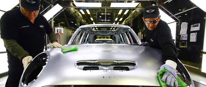 Ligne de production de la Mini dans l'usine BMW d'Oxford.