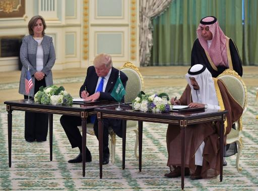 Le président américain Donald Trump et le roi Salmane d'Arabie saoudite, à Ryad le 20 mai 2017 © MANDEL NGAN AFP