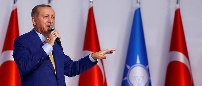 Le président turc reprend la tête du parti AKP, qu'il avait quitté en 2014.