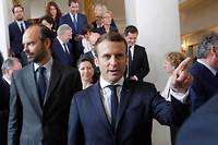 Emmanuel Macron et Édouard Philippe à l'issue du premier conseil des ministres le 18 mai dernier. ©PHILIPPE WOJAZER