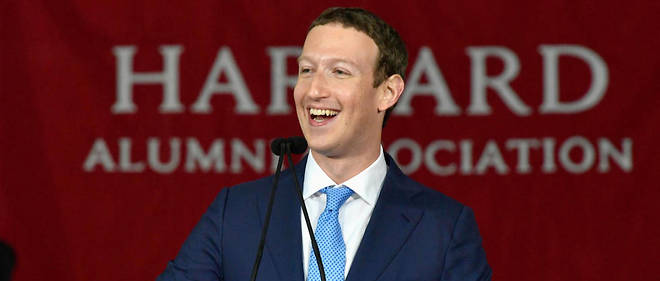 Mark Zuckerberg Enfin Diplm De Harvard 13 Ans Aprs Avoir Quitt La Fac