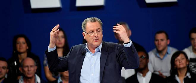 Richard Ferrand est pris sous le feu croisé des critiques de la classe politique !