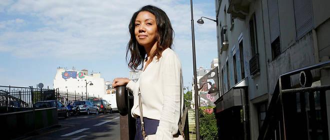 Lanceuse d'alerte. D'origine marocaine, Fatima vit depuis une quinzaine d'années àla Chapelle. «Laprésence des migrants aggrave le problème d'un quartier déjà gangrené par la délinquance», dit-elle. Lasse des insultes, des remarques déplacées et des sifflets dans un espace saturé par un public majoritairement masculin, elle est l'une des femmes àl'origine de lapétitionrelayée par «LeParisien» le19mai.