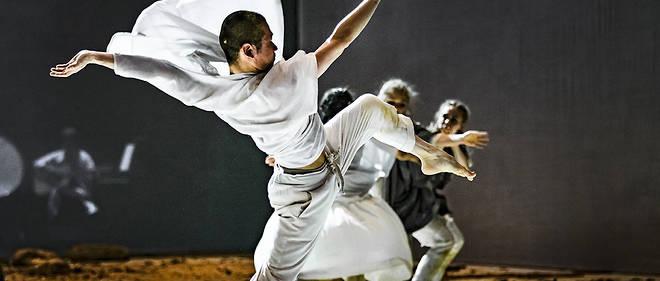 Ballet de Sidi Larbi Cherkaoui à la Villette, Grande halle