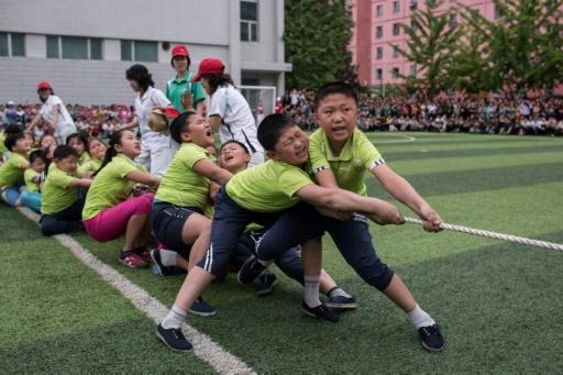 Des enfants nord-coréens lors de la journée des enfants le 6 juin 2017 à Pyongyang © Ed JONES AFP