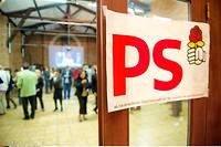 Le PS a réuni son bureau national pour tenter de réinstaurer un semblant de cohésion dans une maison tiraillée entre les pro-Macron, les modérés et les opposants farouches à la politique du chef de l'État.