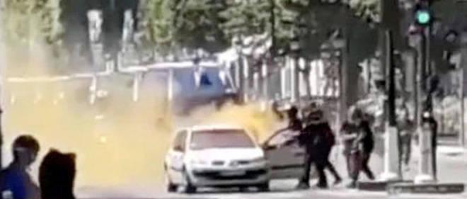 Menace. Un attentat aété déjoué sur lesChamps-Élysées, àParis, le 19juin. Le terroriste, fiché S, était titulaire d'un permis de détention d'arme.