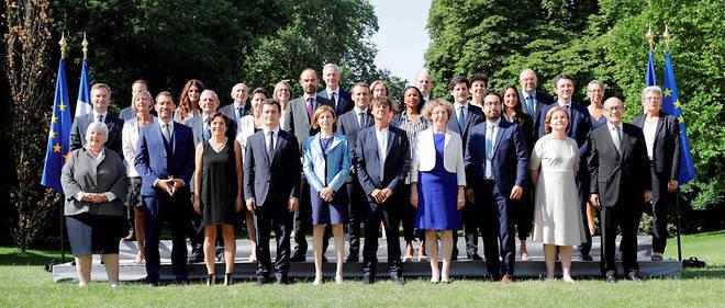 L'Élysée avait exigé que les ministres abandonnent leurs mandats locaux.
