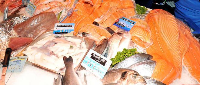 Les poissons gras (saumon, maquereau, hareng …) sont riches en oméga-3