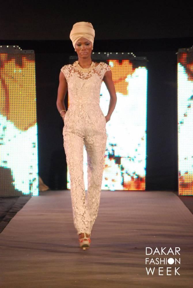 Défilé Ejiro Amos lors de la Dakar Fashion week 2014.  ©  DFW