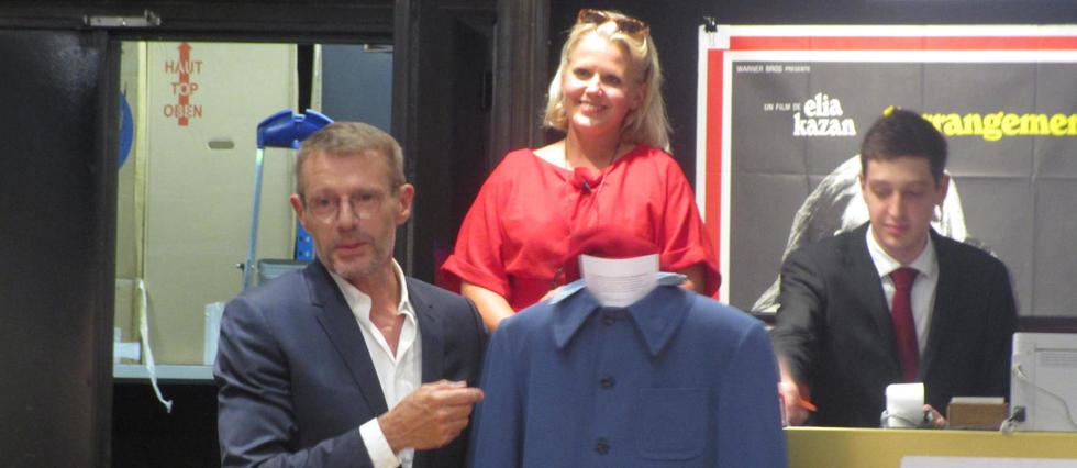 Lambert Wilson présente un de ses costumes utilisé pour L'Odyssée.