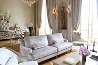 Cap sur le premier étage et la découverte de l'un des trois salons historiques de l'hôtel de Crillon, construit dans le même style XVIIIe siècle que la façade mythique imaginée par l'architecte Gabriel sous le règne de Louis XV. ©Pauline Tissot