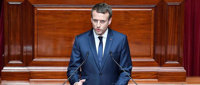 Lundi 3 juillet, les parlementaires se sont pressés pour prendre place sur les sièges en velours rouge foncé de l'historique hémicycle versaillais pour écouter le discours d'Emmanuel Macron.