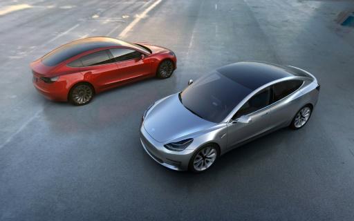 """Le """"Model 3"""" de Tesla lors de sa présentation le 31 mars 2016 © STR TESLA MOTORS/AFP/Archives"""