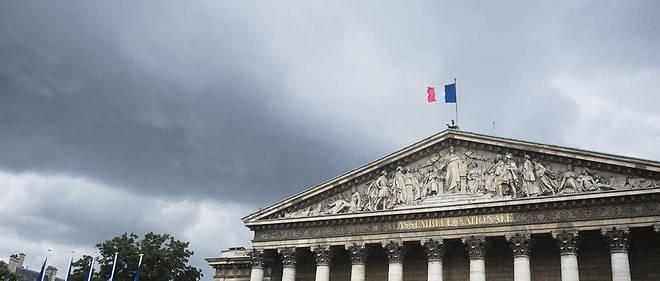 Plusieurs stations du métro parisien ont été fermées en raison des pluies violentes qui ont engendré des inondations dimanche 9 juillet.