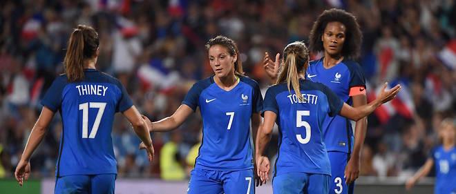 Football Feminin Euro Les Bleues Au Sommet De L Europe Le Point