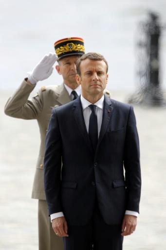 Le président de la République, Emmanuel Macron (au premier plan), et le chef d'état-major des armées, Pierre de Villiers, le 14 mai 2017 à Paris © Michel Euler, Michel Euler POOL/AFP/Archives