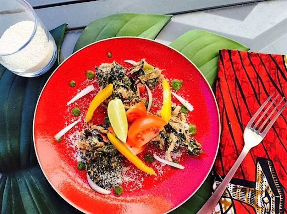 Recette du Dambou, un plat typiquement nigérien, un mélange de semoule  et de feuille de moringa, ©  Cooking Hali