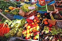 Un stand de fruits et légumes est photographié, le 20 novembre 2011 sur un marché à Lille. ©PHILIPPE HUGUEN