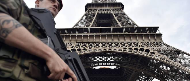 L'opération Sentinelle serait prochainement adaptée «pour s'inscrire dans la durée» et «[resterait] en place tant qu'elle sera utile à la protection des Français».