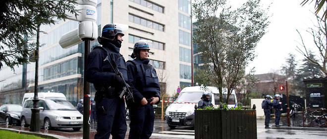 Un homme a renversé six militaires à Levallois-Perret, avant d'être interpellé.