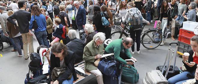 Le 30 juillet à Paris-Montparnasse. 85 % des trains ont roulé durant ces trois jours de crise, tant bien que mal...