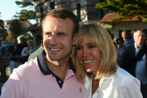 Emmanuel Macron (G) et sa femme Brigitte au Touquet le 17 juin 2017  © Philippe HUGUEN                      AFP/Archives
