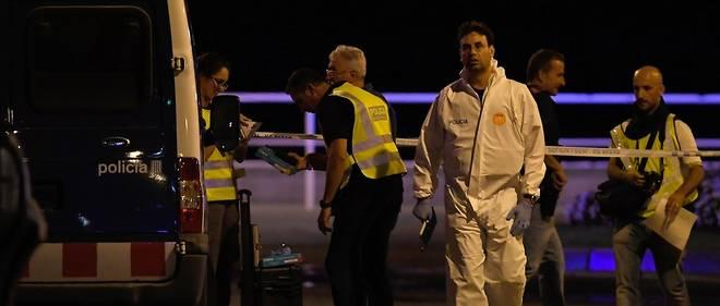 """La situation """"sous contrôle"""" avec la neutralisation des cinq terroristes qui ont perpétré l'attentat de Cambrils."""
