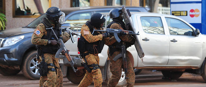 Les Forces speciales burkinabe en intervention en janvier 2016 a Ouagadougou.