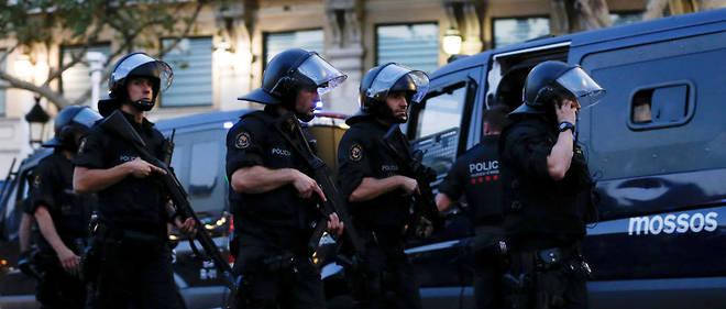 Les victimes du double attentat sont de 35 nationalités différentes au moins, selon la protection civile.