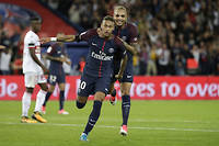 Dès ses premiers matches avec le PSG, Neymar a enflammé le public. ©THOMAS SAMSON